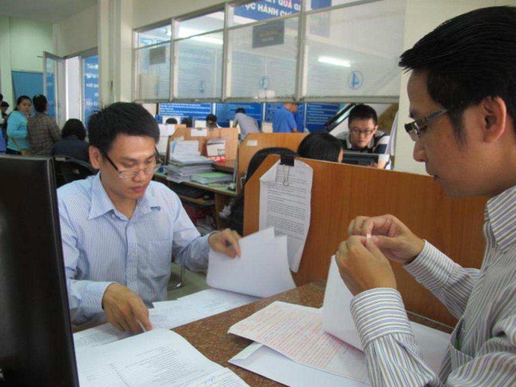 Cán bộ thuế sẽ xuống kiểm tra địa điểm kinh doanh để cấp hóa đơn.