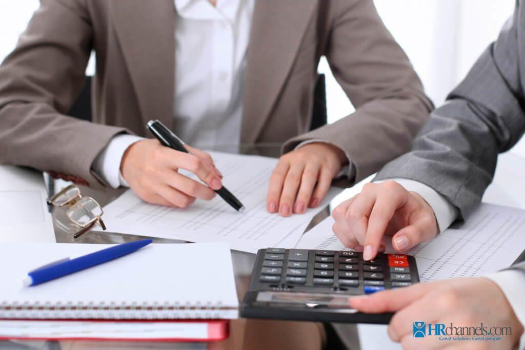 Kế toán trưởng phải có thời gian công tác thực tế về kế toán ít nhất 2 năm