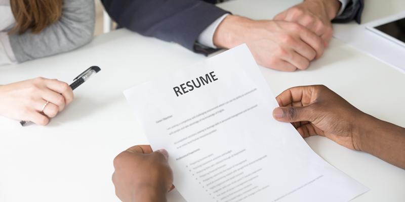 Kế toán trưởng tham gia vào công tác tuyển dụng của công ty