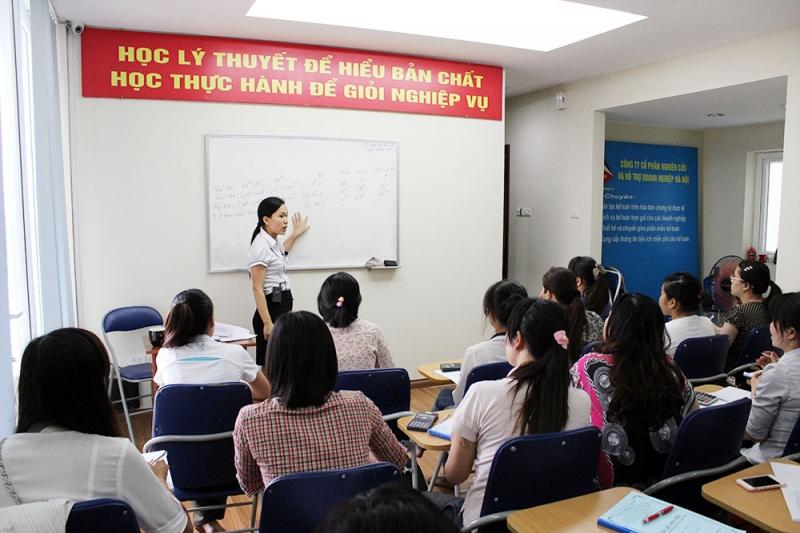 Một lớp học kế toán trưởng tại trường đại học kinh tế thành phố Hồ Chí Minh